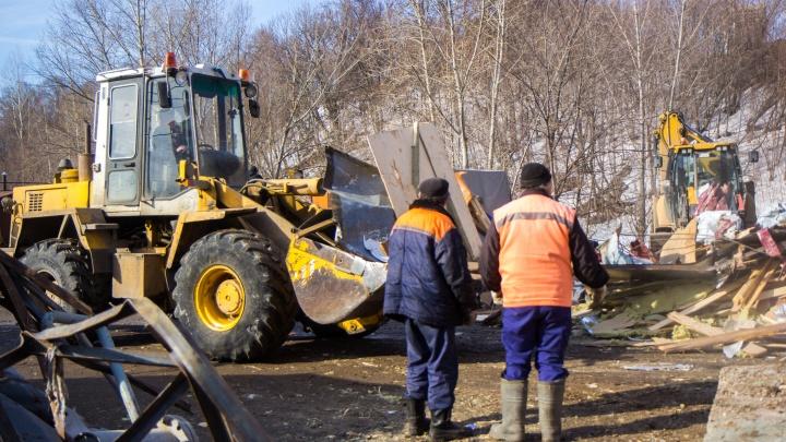 В объезд «ежей»: в Уфе начали сносить гаражи в кооперативе «Жуковский»