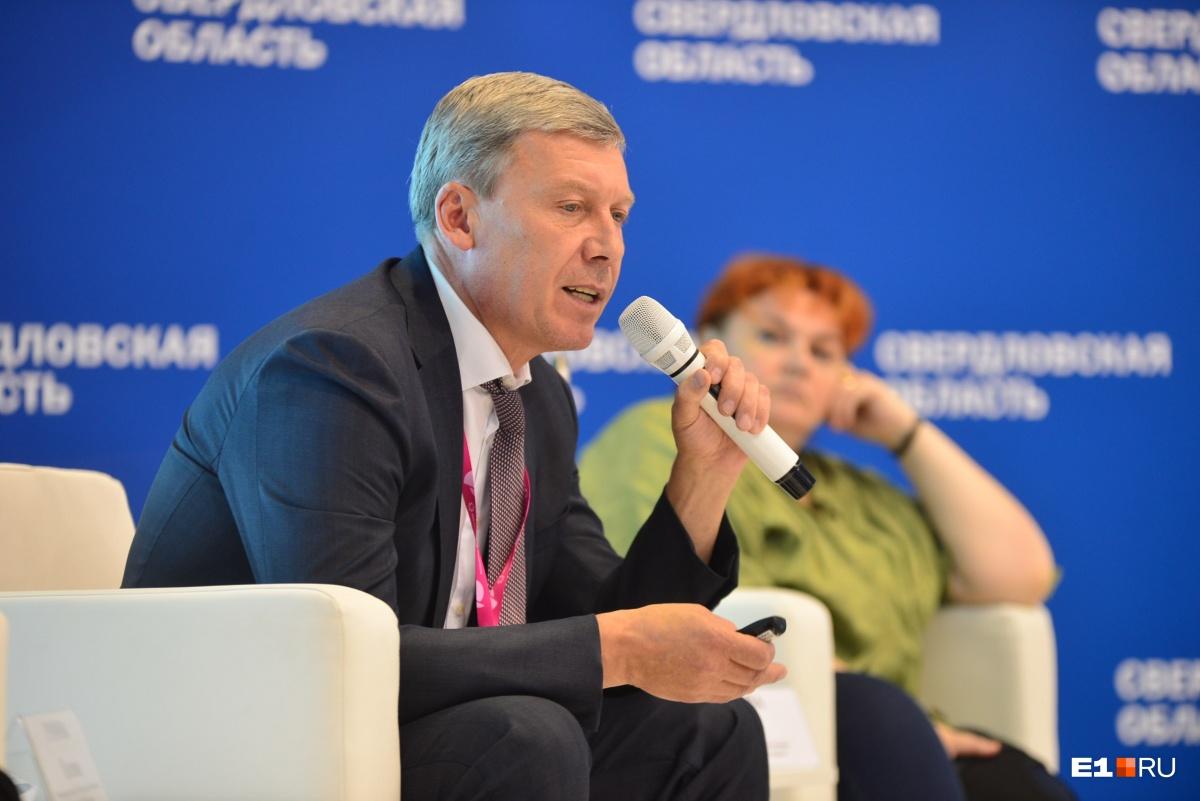Метро требует больших затрат по финансам и по времени, поэтому мэрии пришлось искать другие варианты транспорта, говорит Алексей Белышев