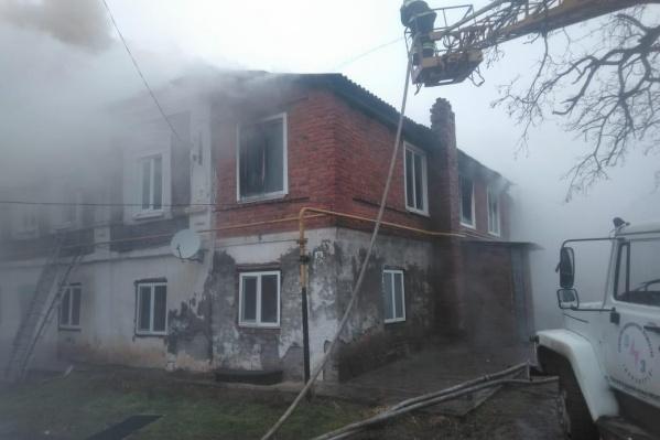 Пожар вспыхнул на улице 9 Января