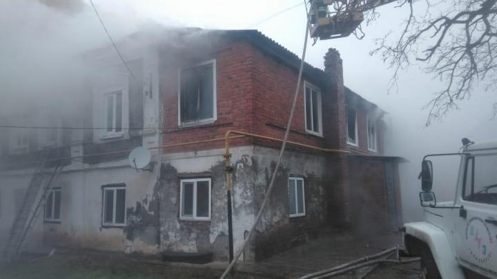 В Константиновске сгорела двухэтажка: погибла женщина