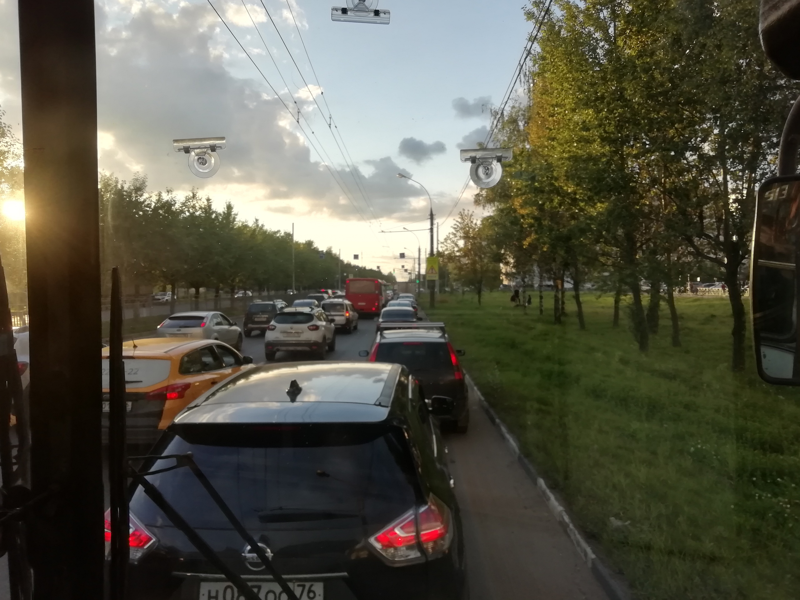 Ярославцы пытаются попасть домой с работы