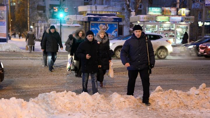 На девяти перекрёстках в Ленинском районе установят новые пешеходные ограждения