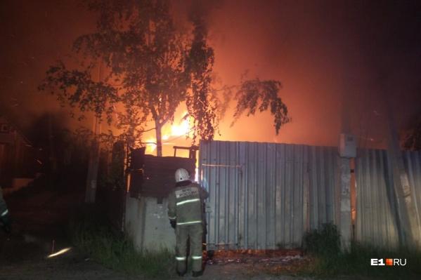 Пожарные повысили ранг пожара