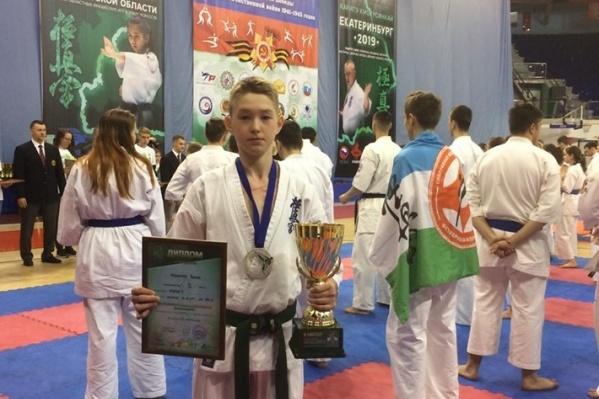 Роман Меньшов — чемпион Приволжского округа по киокушинкай карате