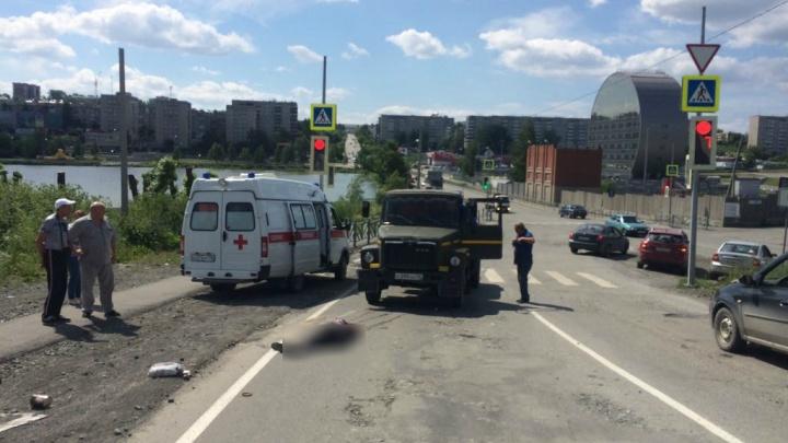 В Первоуральске ассенизатор сбил двух пешеходов на зебре
