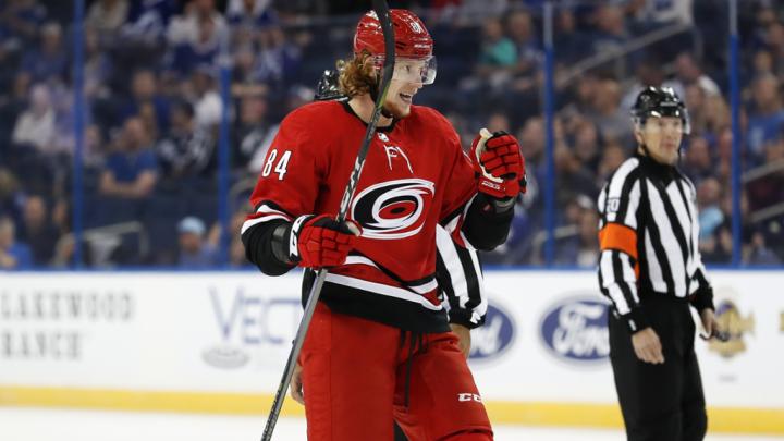 За сезон заплатят 47 миллионов рублей: защитник «Автомобилиста» Михал Чайковски перешёл в НХЛ