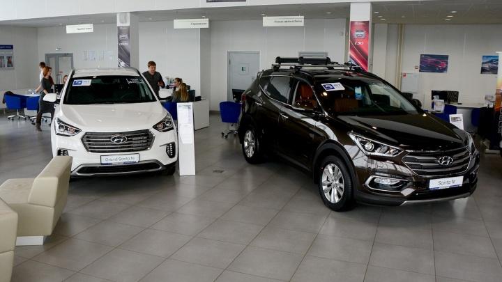 Пробили потолок: цены на автомобили выросли на сотни тысяч рублей