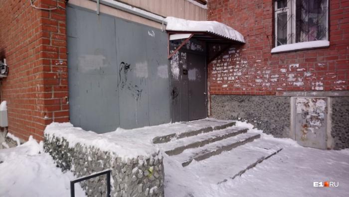 ЧП произошло в доме на Надеждинской, 8