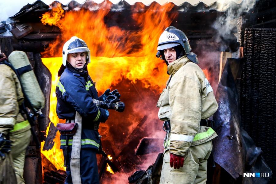 Массив сараев площадью 500 кв.м. сгорел вБогородске Нижегородской области