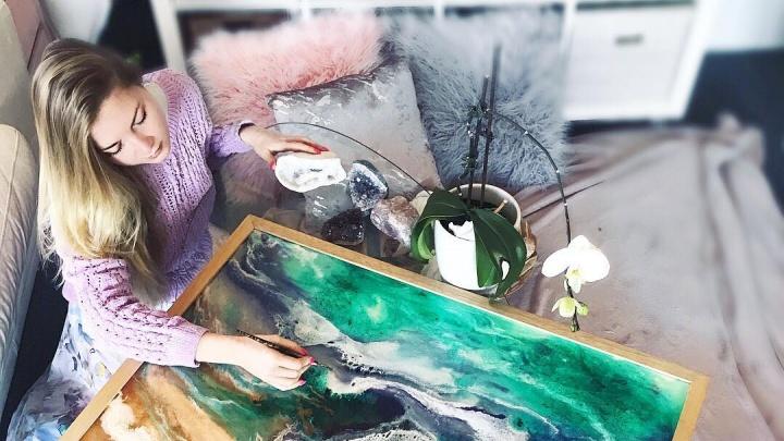 Рисуют нефтью полярников и Путина акварелью: подписываемся в Instagram на 10 тюменских художников