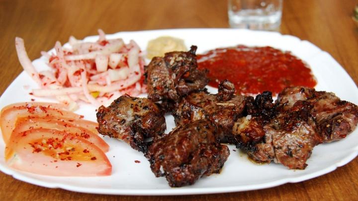 6 секретов, как выбрать хорошее мясо для шашлыка и маринада. Показываем в двух карточках