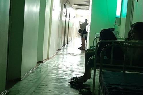 Все семеро отравившихся до сих пор лежат в больнице