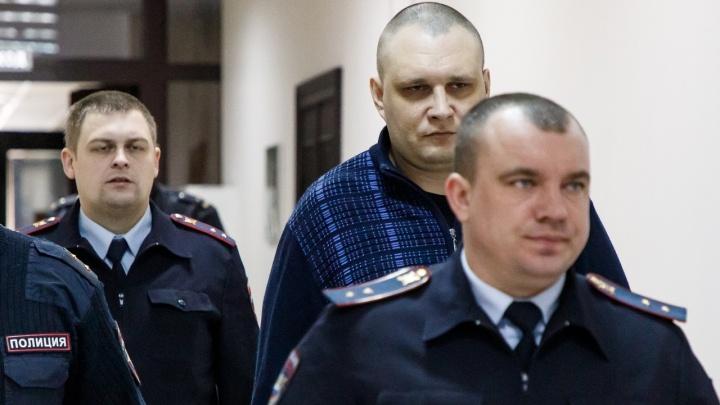 «Время лечит, но мы еще свидимся»: в Волгограде прошел суд над расчленителем Масленниковым
