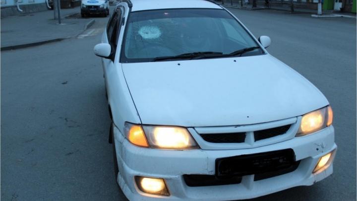 Пьяный водитель сбил предположительно нетрезвого пешехода, который попытался преградить ему дорогу