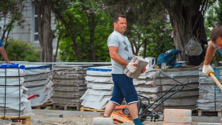 Власти Ростова требуют от производителя пленки снести двухэтажное здание