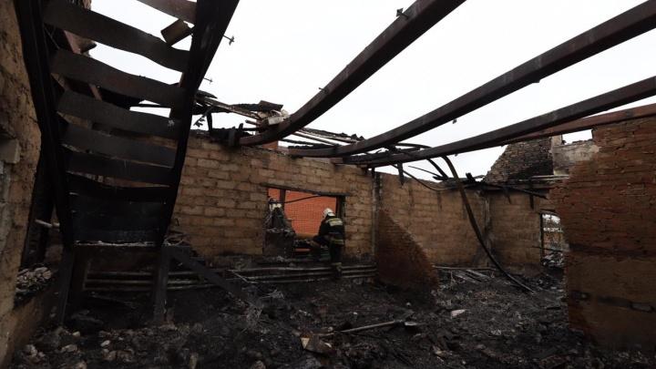 «Погиб, спасая ребенка»: жертвами ночного пожара в Батайске стали два человека