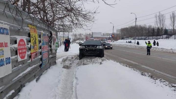 «Она побежала наперерез»: в Октябрьском районе «Хонда» сбила пенсионерку