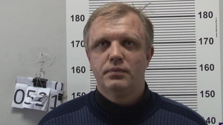 Бизнесмен из Самарской области попытался ограбить банк в Екатеринбурге, чтобы рассчитаться с долгами