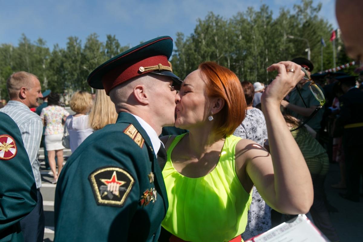 Выпуск офицеров в военном институте