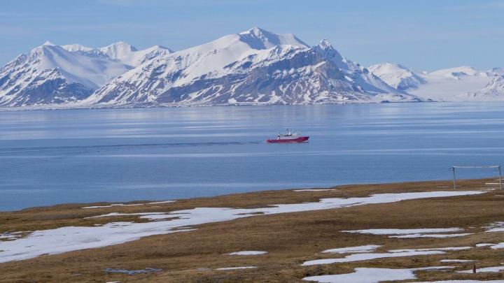 Новосибирец оказался на острове за полярным кругом и открыл древний кинотеатр