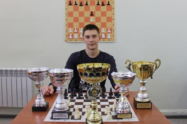 18-летний Максим Солдатенко смог обойти именитых спортсменов