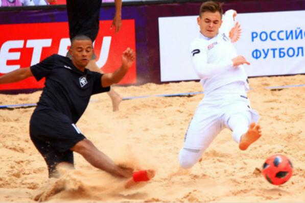 На песчаном покрытии можно будет играть и тренироваться даже зимой