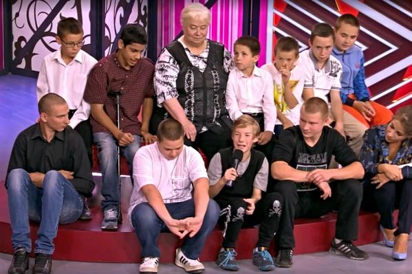 Елизавета Яковлевна признаётся, что одинаково сильно любит каждого из мальчишек. У них мечта одна: чтобы их общая мама жила долго и никогда не болела