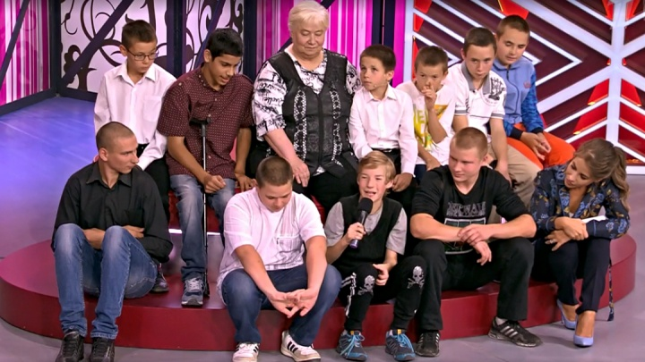 На Первом канале показали историю тюменки, ставшей мамой для 24 неродных детей