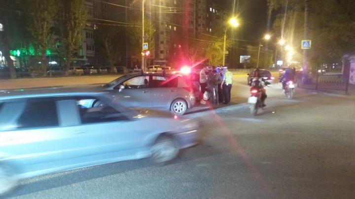 В районе Автовокзала столкнулись две иномарки, у пассажирки одной из них сломаны рёбра