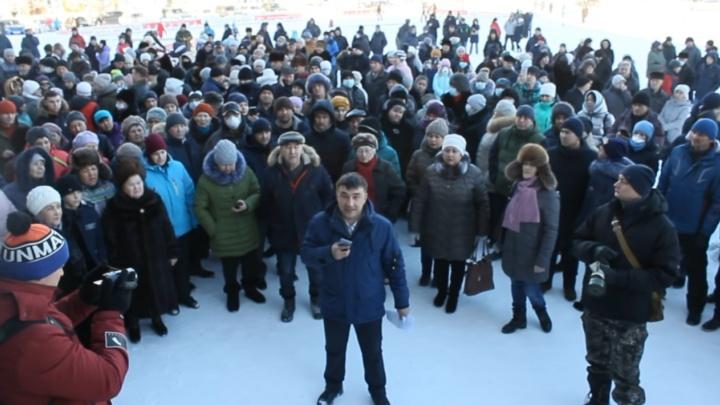 «Черная туча над городом, дышать невозможно»: жители Сибая записали видеообращение к Путину