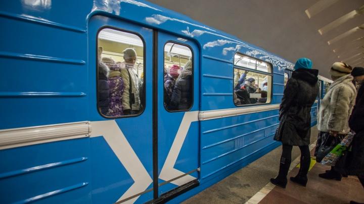 Метрополитен нашёл машиниста, который посадил на своё место девушку: наказать его не получится