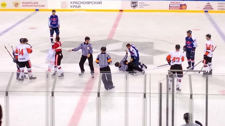 «Месиво сегодня было — одни драки»: хоккеисты «Сокола» обыграли «Ермак» на новой арене