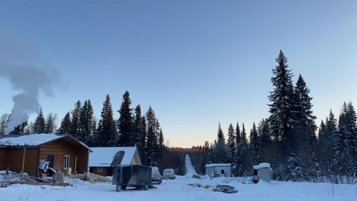 «Снегоходы провалились в ручей»: на горном хребте Кваркуш пропали девять человек