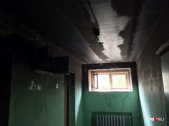 Жильцам будет не просто избавиться от запаха дыма на этажах