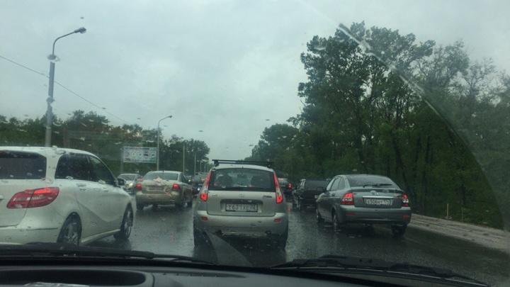 На трассе в Уфе в сторону Демы образовалась огромная пробка