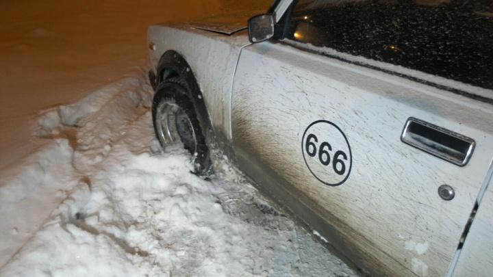 На пересечении Объездной и Московской в дрифтера на ВАЗе врезался BMW