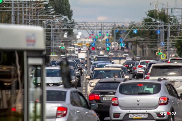 Уже сейчас пробки регулярно образуются на всех важных магистралях Самары