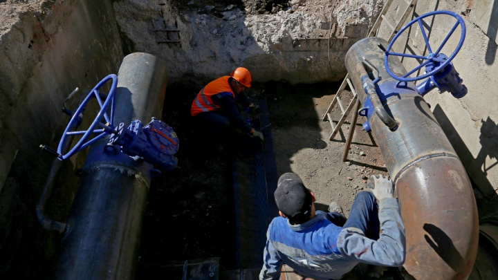 В Уфе из-за аварии на трубопроводе целый квартал остался без воды