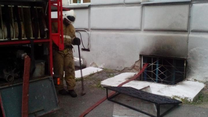 38 пожарных тушили огонь в кабинете курганской администрации