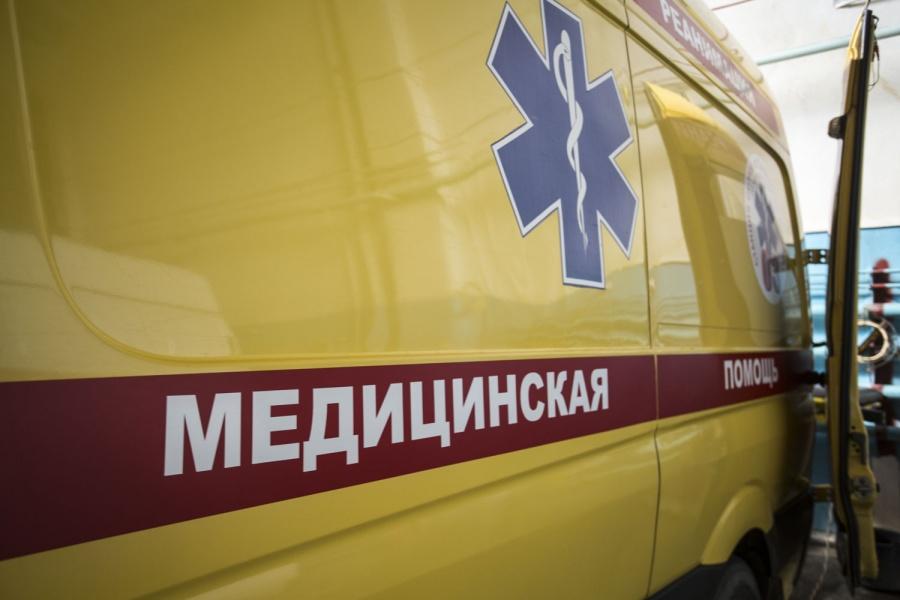 Иностранная машина протаранила пешеходов после жуткого ДТП вНовосибирске