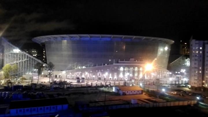 На ночь глядя Центральный стадион заговорил по-английски