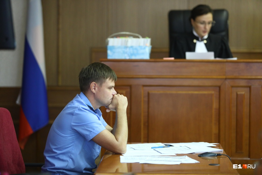 Прокурор отметил, что у Астахова противоречивая позиция