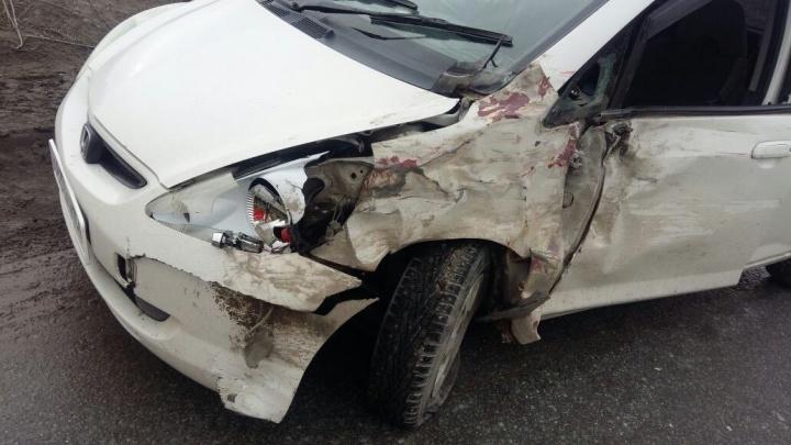 Водитель «Хонды» попытался обогнать автобус и попал в ДТП