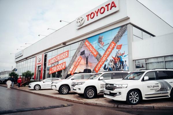 Линейка Land Cruiser продается в 170 странах в количестве около 400 000 автомобилей ежегодно