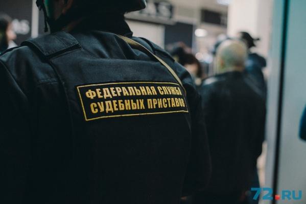 32-летняя должница наотрез отказывалась вносить необходимые 30 тысяч рублей