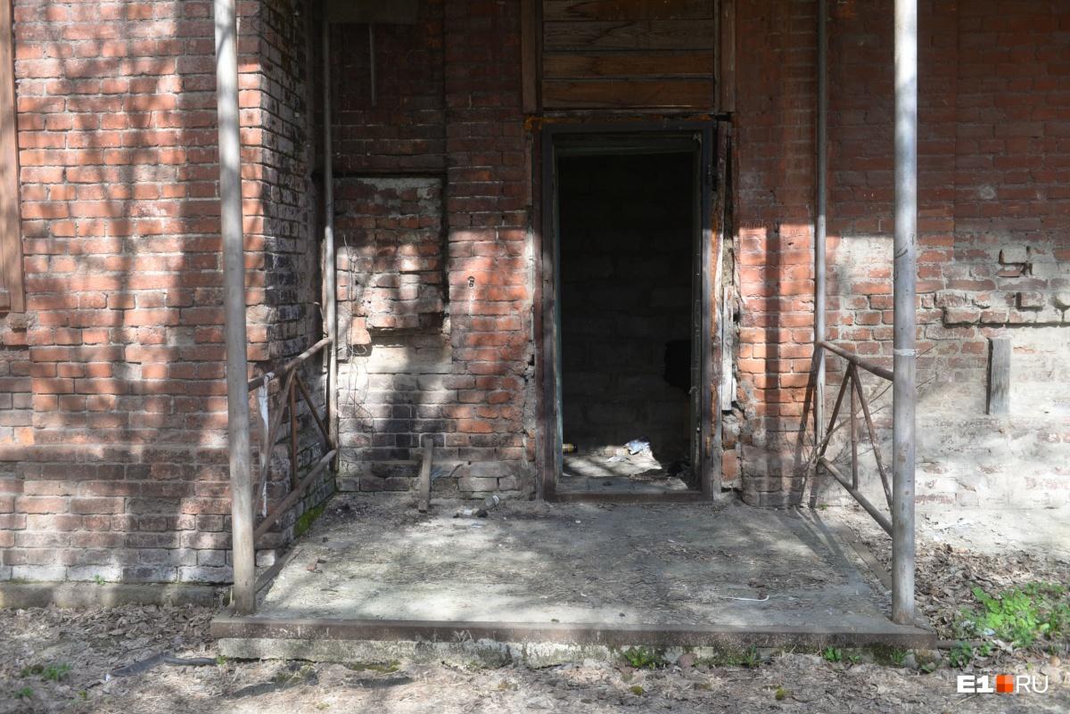Здания, конечно, нуждаются в ремонте