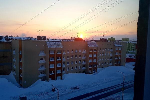 В Красноярском крае помимо Норильска полярная ночь наступает на полуострове Таймыр (административный центр — город Дудинка), в Туруханском районе
