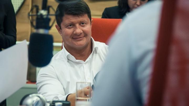 Он перестанет быть мэром в полночь: Владимир Слепцов написал заявление об отставке