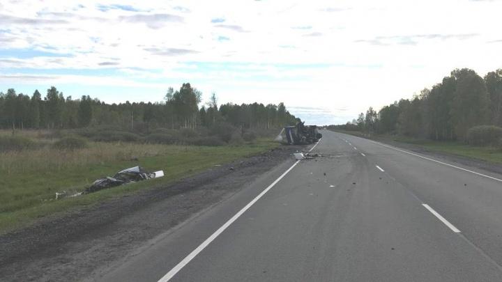 Наглый разворот на Таллинской, попытка слива бензина и смертельное ДТП: дорожные видео недели