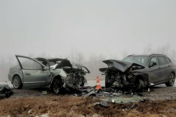 Кто-то из водителей тоже очень торопился в тумане